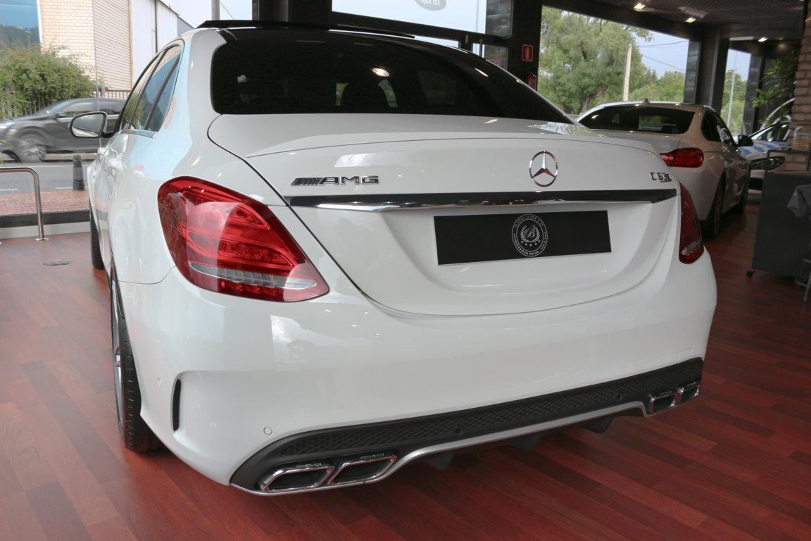 Mercedes C63 S Resized (4)
