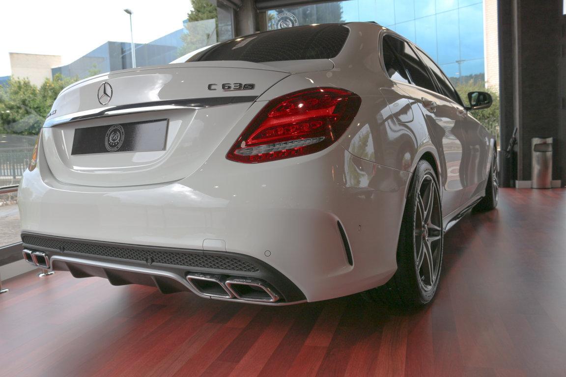 Mercedes C63 S Resized (6)